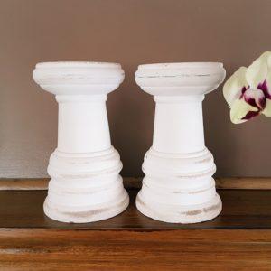 biały świecznik